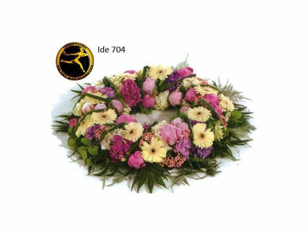 Bårekrans 8 - med årstidens blomster