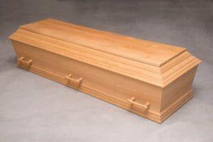 Begravelseskiste i egetrø